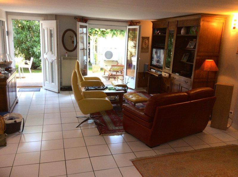 Bègles – Barrière de Bègles – Jolie Maison très bien entretenue de 110 m2 environ.