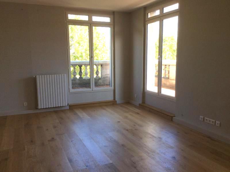 Bordeaux – Quinconces – Magnifique T3 de 75 m2 avec balcon (chauff. inclus)