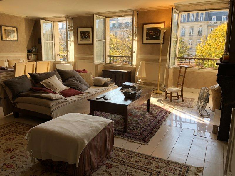 Magnifique Appartement (Triangle d'Or) T3 de 143 m2 avec terrasse