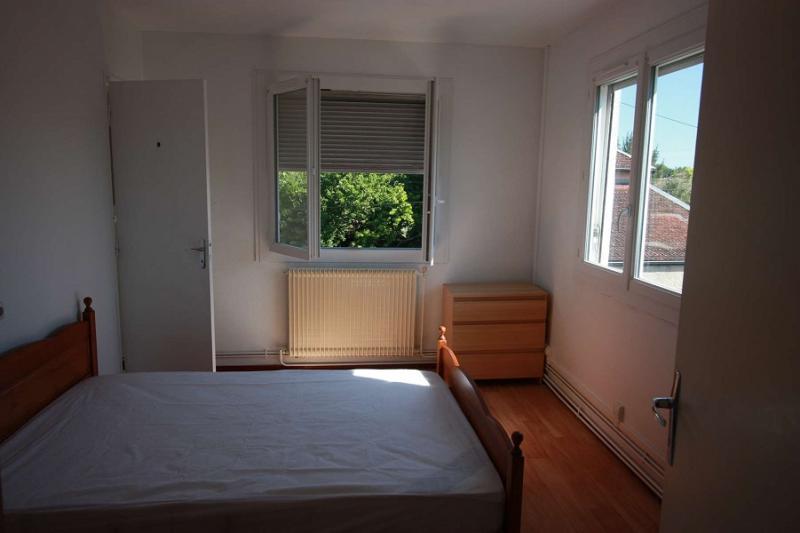 BEGLES Rue Jules Guesde Appartement T2 MEUBLE de 25.82 m2 en cour de rénovation