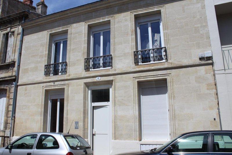 BORDEAUX Victoire (Rue Clément) – Joli Studio 20 M2 en très bon état – idéal étudiants