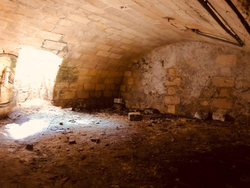 Cave (Pey Berland) – rue Castelmoron – Environ 50 m2