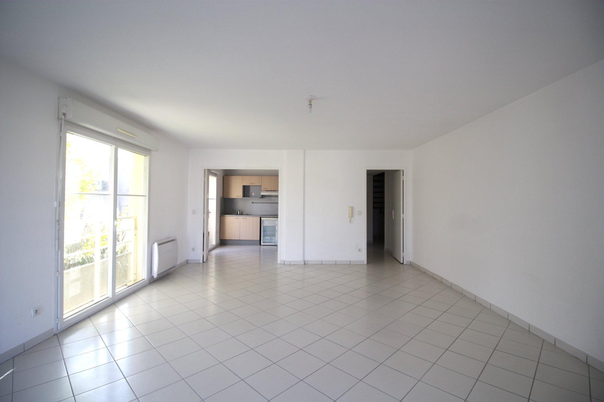 Pessac – Bel appartement de 93 m2 en duplex avec terrasse de 48m2