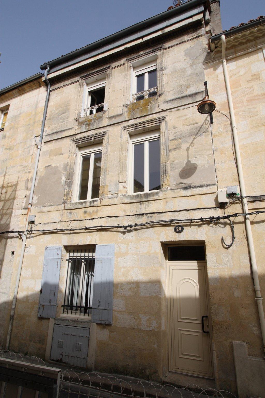 Bordeaux – Pey Berland / Palais de Justice – Charmant Immeuble 3 lots en bon état