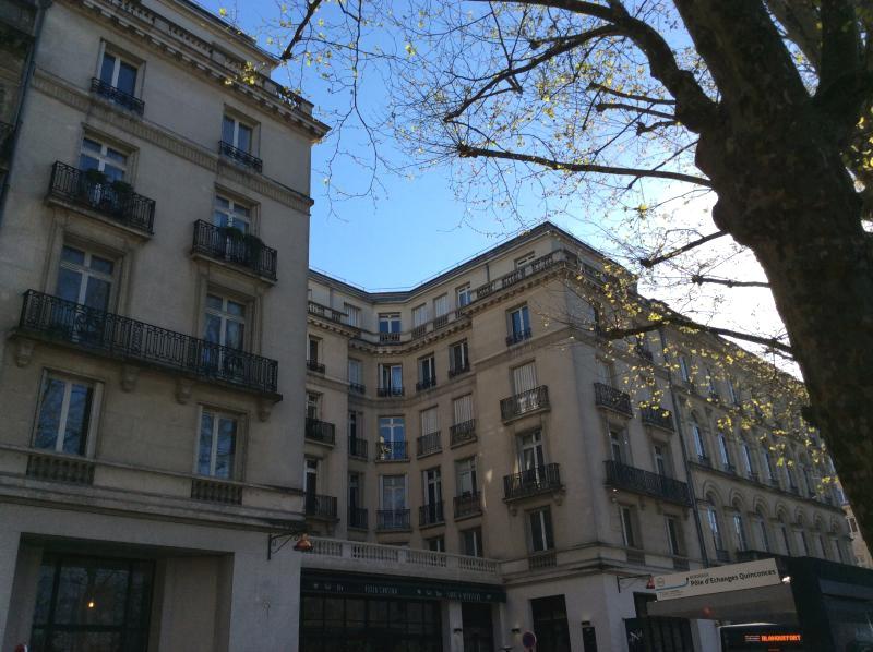 Bordeaux – Quinconces – Très beau T2 – chauffage inclus