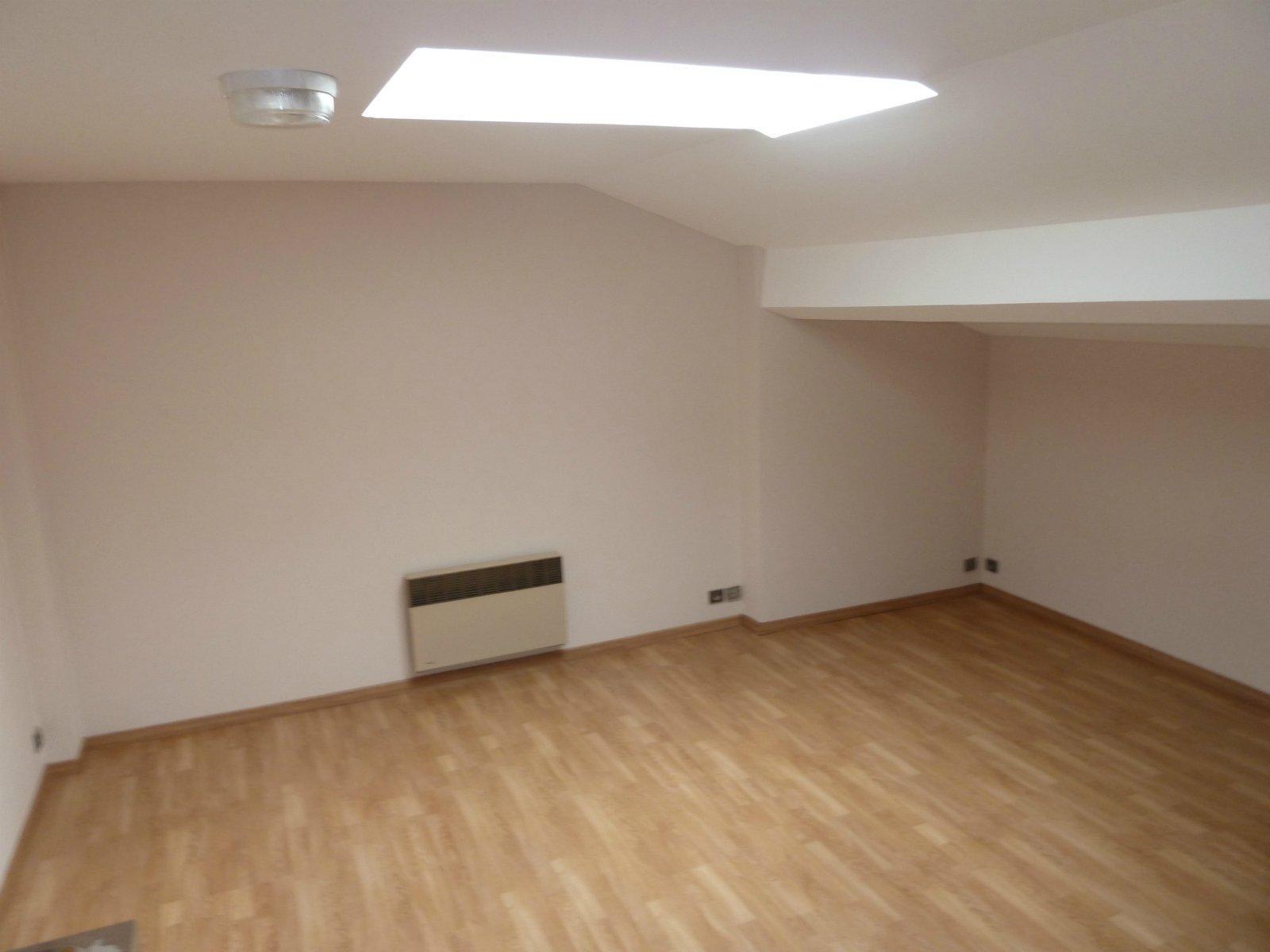 BORDEAUX – GAMBETTA (Rue Castelnau D'Auros) – Studio 18 m2