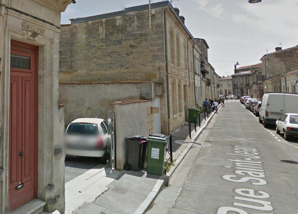 Bordeaux Nansouty – Rue St Jean – Place de parking dans cour