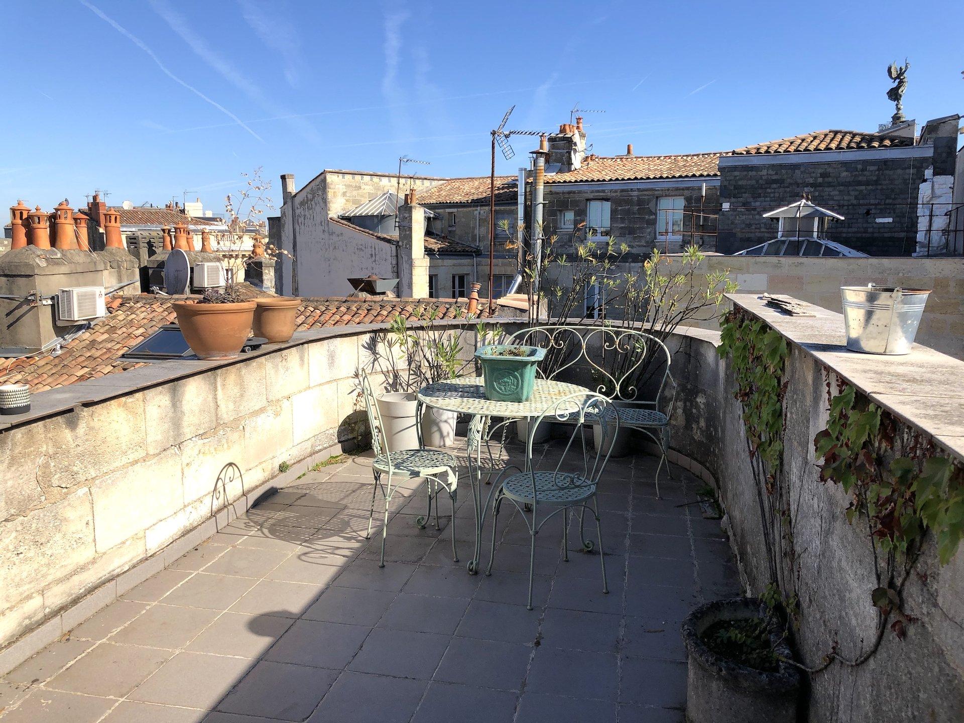 Appartement avec terrasse dernier étage à vendre à Bordeaux